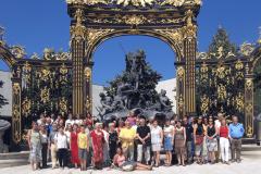 KölnChor steht vor Goldenem Tor des Place Stanislas in Nancy